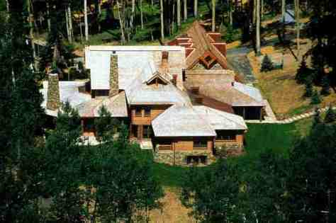 Aerial view of the cabin..