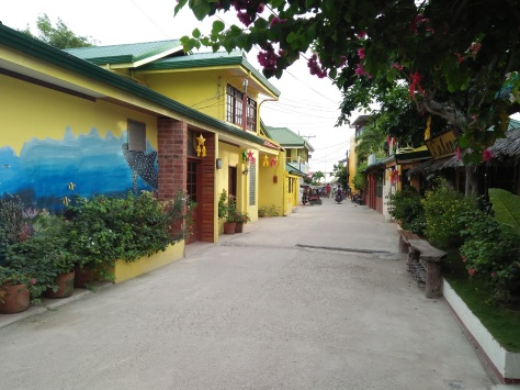 Moalboal: The street going to cottages, restos and the beach