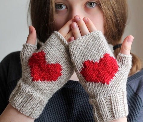 0203 Fingerless-Gloves