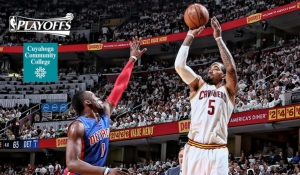 JR's hot night did it for the Cavs