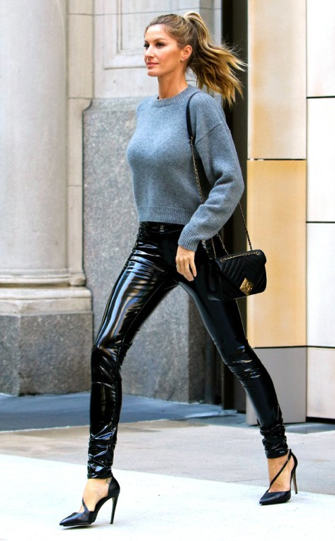 0429e rs_634x1024-160427172859-634.Gisele-Bundchen-Leather-Pants-NYC.ms.042716