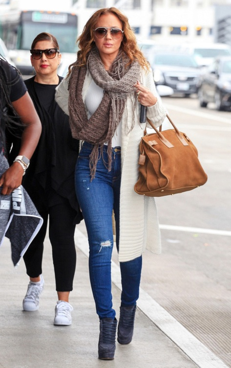 Leah Remini at LAX (Photo: Maria Buda)