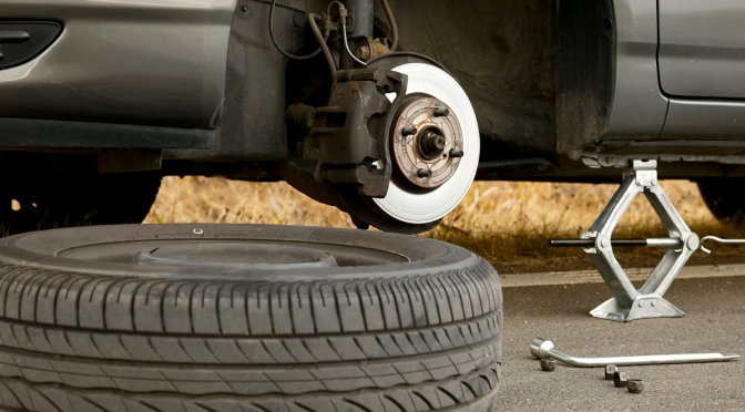 Consumer Video: How to Change a Flat Tire