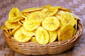 Crispy banana chips we love
