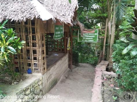 1-towards-the-entrance