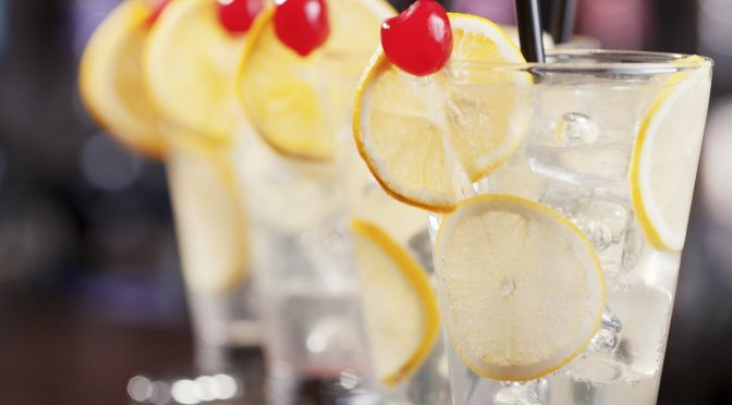 Cocktail: How to Make a Tom Collins